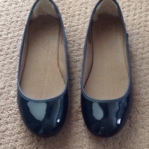 Navy Ugg Antora Patent Leather Flats SZ 7